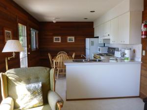 Cottage - Unit 4