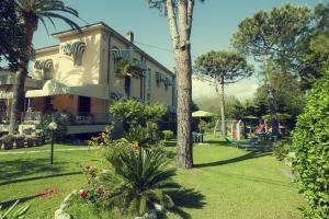 Hotel Parma Mare, Hotely  Marina di Massa - big - 1