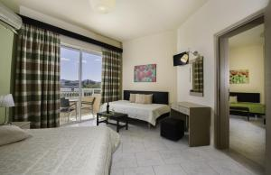 Lyristis Studios & Apartments, Апарт-отели  Фалираки - big - 5