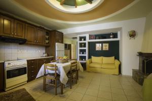 Lyristis Studios & Apartments, Апарт-отели  Фалираки - big - 4