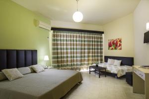 Lyristis Studios & Apartments, Апарт-отели  Фалираки - big - 7