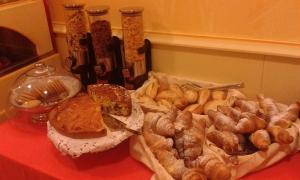 Hotel Matteotti, Hotely  Vercelli - big - 34