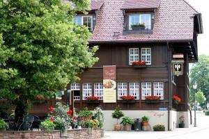Schwarzwaldgasthaus Goldener Engel, Guest houses  Glottertal - big - 1