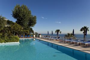 Prenota Hotel Continental Mare