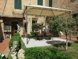 Piazza Paradiso Accommodation, Affittacamere  Siena - big - 2
