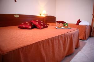 Hotel Za Maria, Hotel  Santo Stefano di Camastra - big - 33