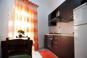 Casa Luigi Sergio, Appartamenti  Santo Stefano di Camastra - big - 1