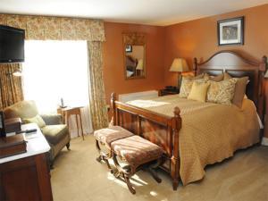 Classic Queen Room