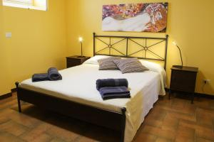 Cefalù sea house, Apartmanok  Cefalù - big - 25