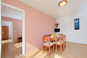 Apartments and Rooms Sara, Vendégházak  Petrčane - big - 33