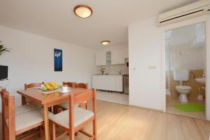 Apartments and Rooms Sara, Vendégházak  Petrčane - big - 52