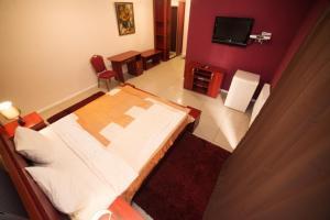 Truskavets Central Jam Mini Hotel, Inns  Truskavets - big - 16