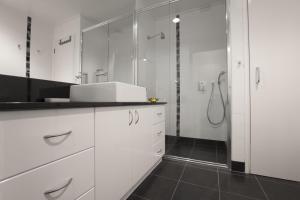 Boutique Stays - Wellington Mews, Apartment in East Melbourne, Apartments  Melbourne - big - 2