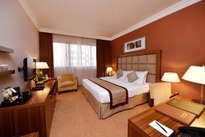 Rom Premium med king-size-seng