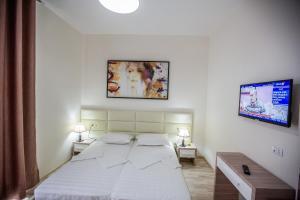 Living Hotel, Hotels  Tirana - big - 55