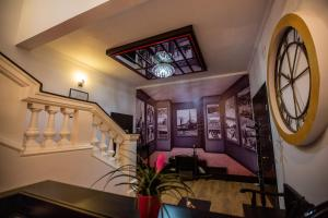 Living Hotel, Hotels  Tirana - big - 51