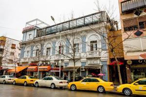 Living Hotel, Hotely  Tirana - big - 1