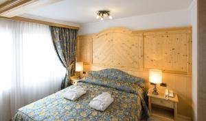 Alpen Hotel Corona, Hotely  Vigo di Fassa - big - 23