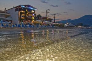 Blue Sea Beach Boutique Hotel (Skala Potamias)