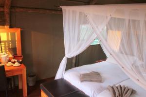 Suricate Tented Kalahari Lodge, Лоджи  Hoachanas - big - 3