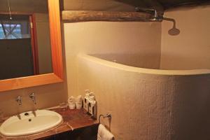 Suricate Tented Kalahari Lodge, Лоджи  Hoachanas - big - 6