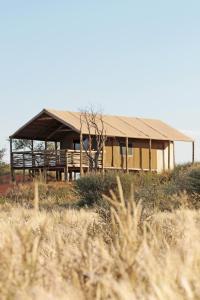 Suricate Tented Kalahari Lodge, Лоджи  Hoachanas - big - 2