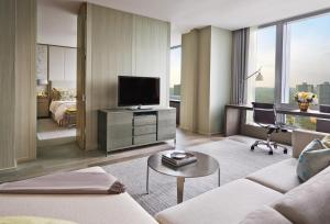 Four Seasons Hotel Toronto (5 of 49)