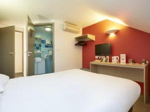 Comfort Hotel Etampes, Hotely  Étampes - big - 8