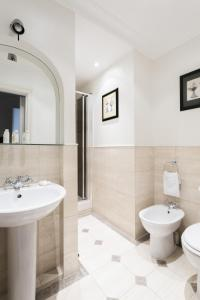onefinestay - South Kensington private homes II, Apartmány  Londýn - big - 37