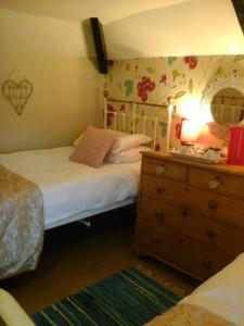 Holly Cottage Vintage B&B, Bed and breakfasts  Mevagissey - big - 3