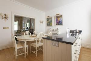 onefinestay - South Kensington private homes II, Apartmány  Londýn - big - 47