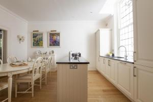 onefinestay - South Kensington private homes II, Apartmány  Londýn - big - 190