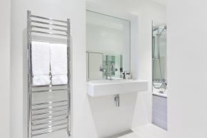 onefinestay - South Kensington private homes II, Apartmány  Londýn - big - 40