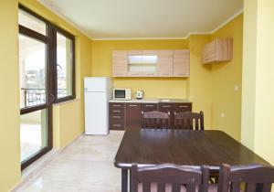 Evi Apartments 2, Apartmanok  Pomorie - big - 42
