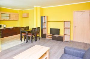 Evi Apartments 2, Apartmanok  Pomorie - big - 43