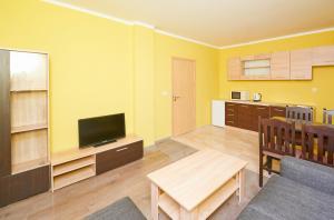 Evi Apartments 2, Apartmanok  Pomorie - big - 21