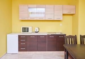 Evi Apartments 2, Apartmanok  Pomorie - big - 22