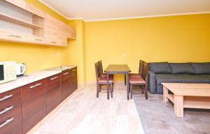 Evi Apartments 2, Apartmanok  Pomorie - big - 20
