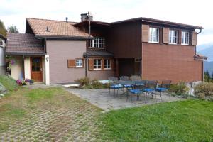 Ferienhaus Wang, Apartments  Beatenberg - big - 14