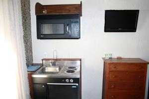 Executive Queen Room with Kitchenette