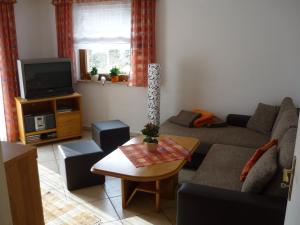 Ferienhaus Günter, Апартаменты  Байрсброн - big - 4