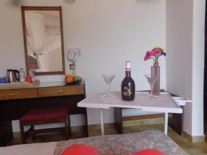 Angela Hotel, Hotely  Agia Marina Aegina - big - 75