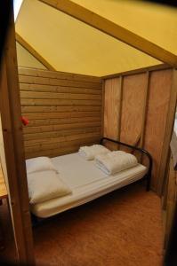 Camping Colline de Rabais, Kempingek  Virton - big - 29