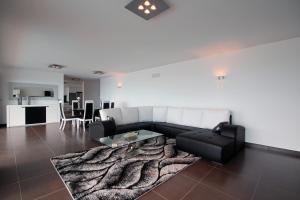 Villa Panoramica by HR Madeira, Виллы  Арку-да-Кальета - big - 15