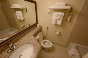 Ramada by Wyndham Houston Intercontinental Airport East, Hotel  Humble - big - 8