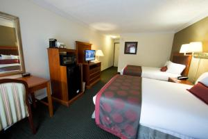 Ramada by Wyndham Houston Intercontinental Airport East, Отели  Хамбл - big - 10