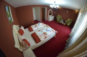 Hotel Le Baron, Hotel  Timisoara - big - 48