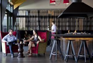 Novotel Rotorua Lakeside, Hotely  Rotorua - big - 16
