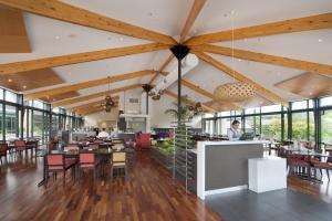 Novotel Rotorua Lakeside, Hotely  Rotorua - big - 18