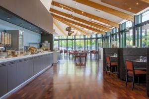 Novotel Rotorua Lakeside, Hotely  Rotorua - big - 17